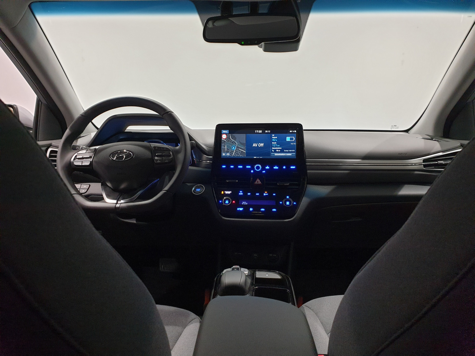 Hyundai-IONIQ-28
