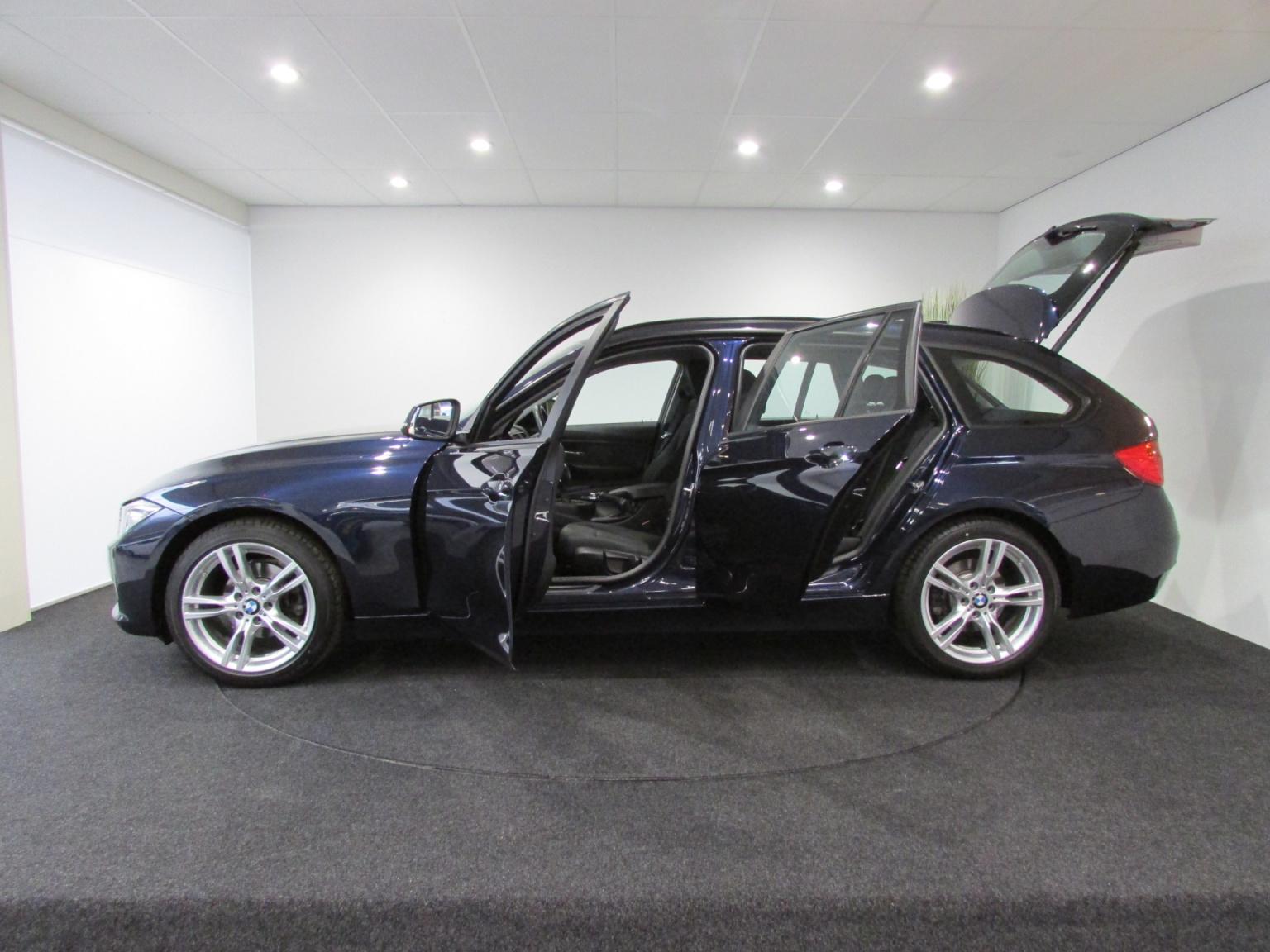 BMW-3 Serie-2
