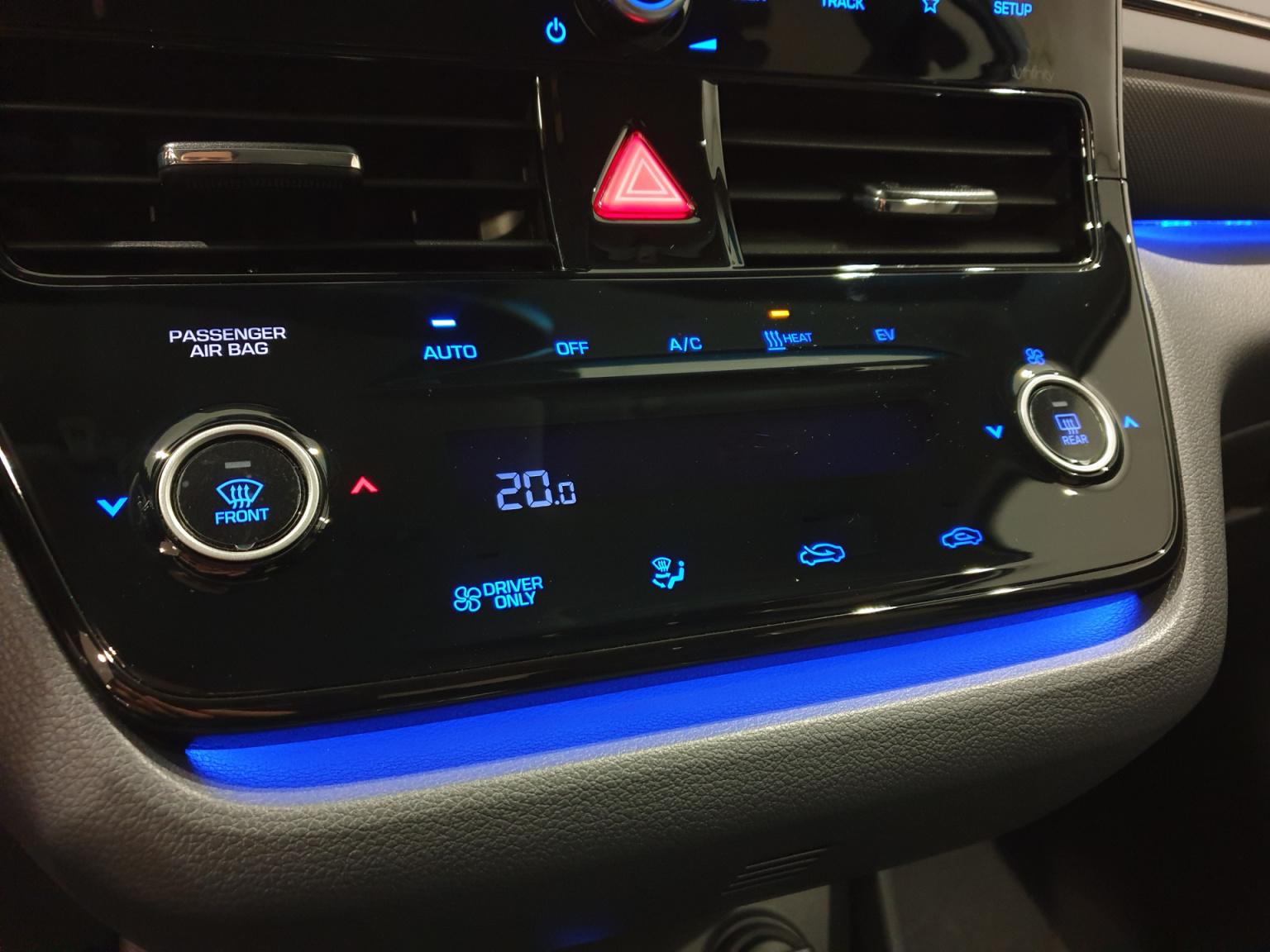 Hyundai-IONIQ-24
