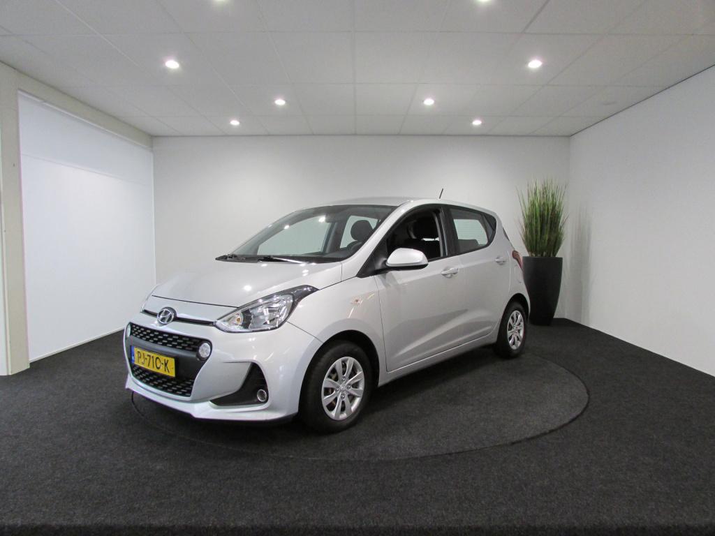 Hyundai-i10-thumb