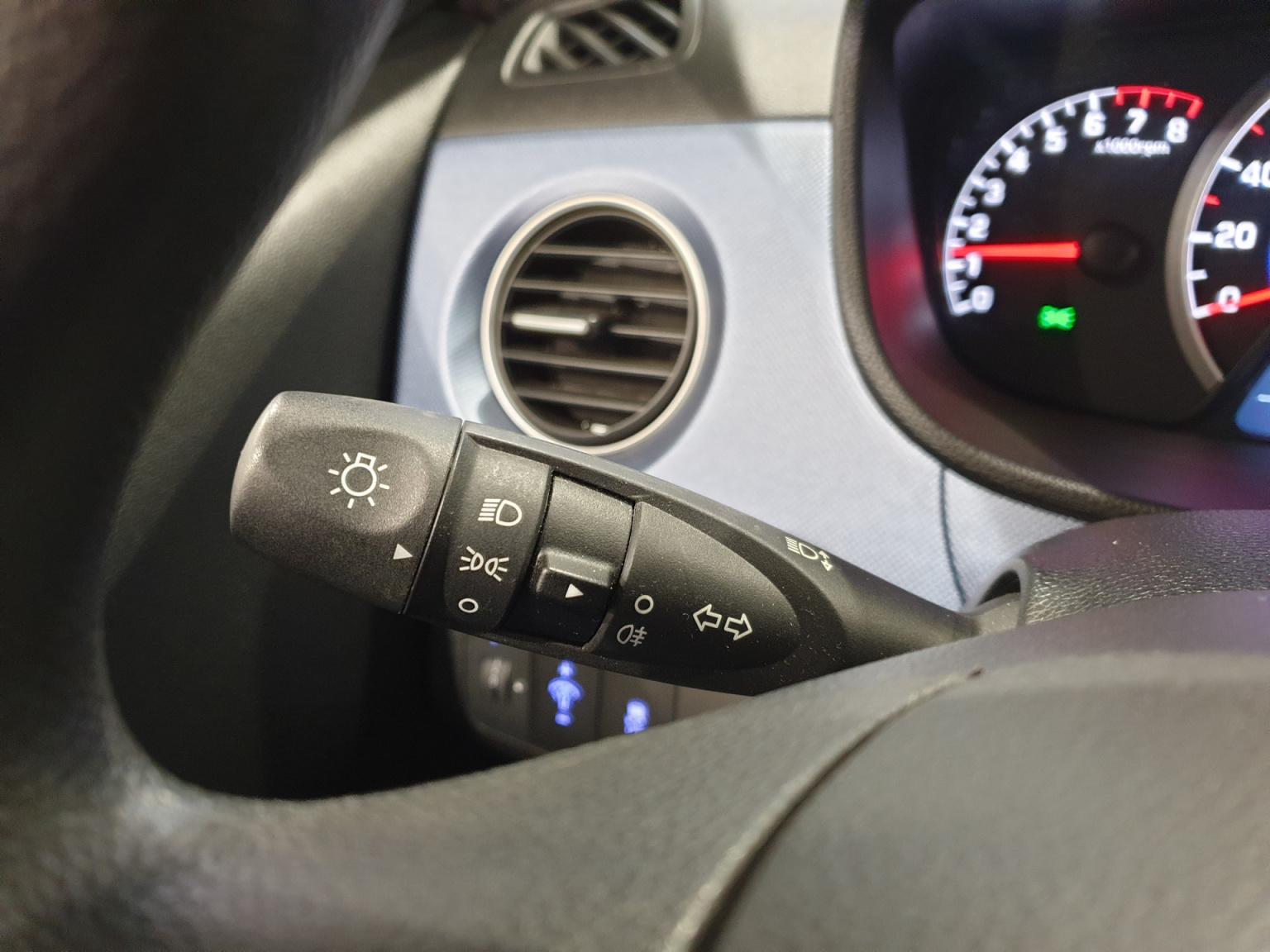 Hyundai-i10-17