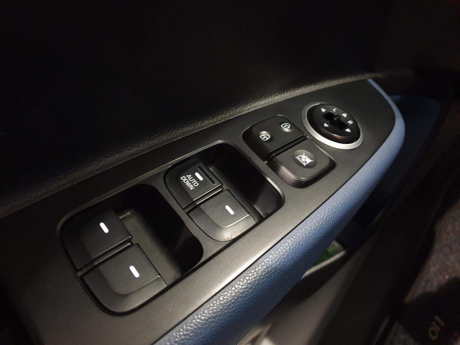 Hyundai-i10-20