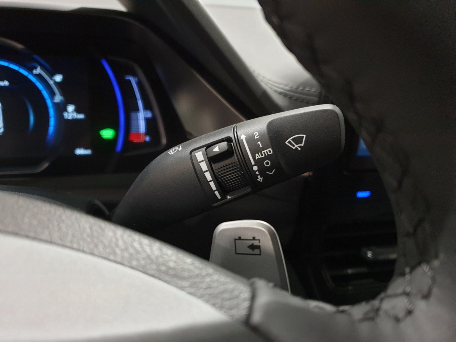 Hyundai-IONIQ-19