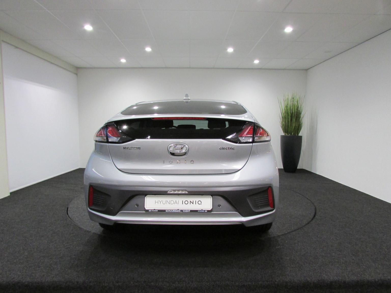 Hyundai-IONIQ-4