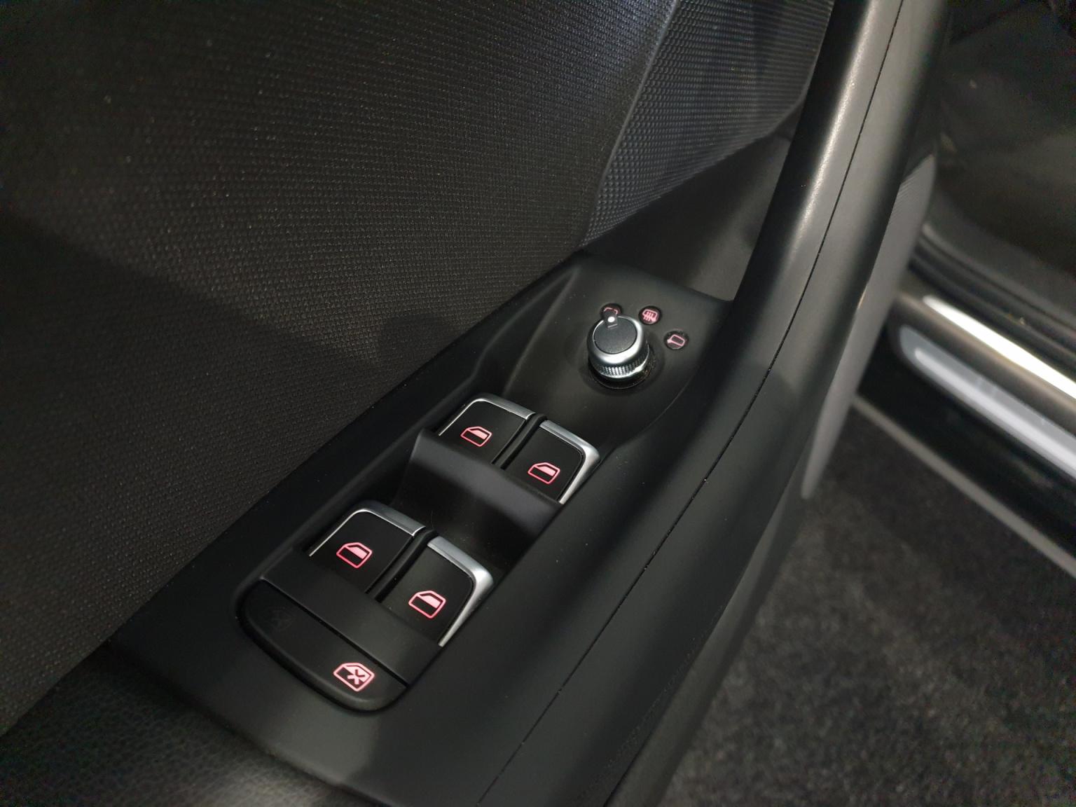 Audi-Q3-24